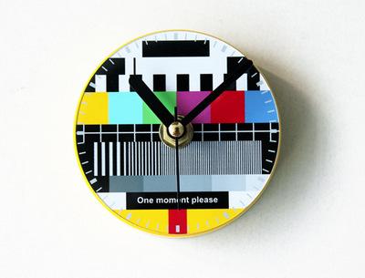 冷知识 | 电视停台时为什么会出现彩色图案?